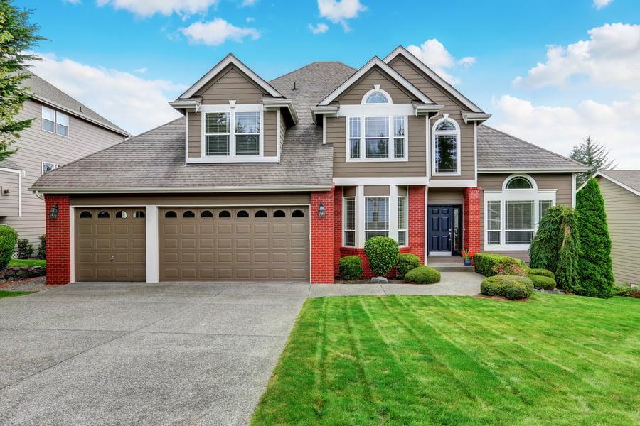 2019-10-02-beige-house-red-brick-trim